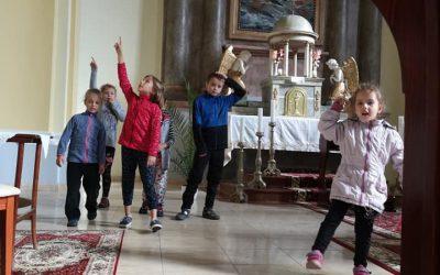 Fociztunk, kézműveskedtünk és a templom kincseit is megismertük