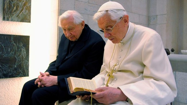 Elhunyt Georg Ratzinger